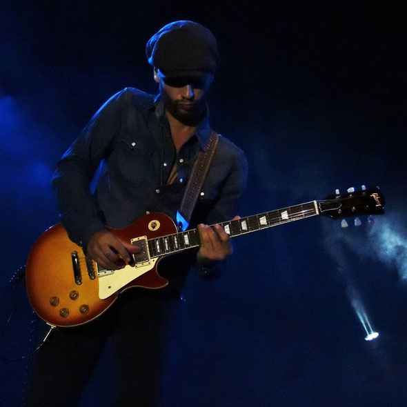 Riki Massini artista A-Z Blues
